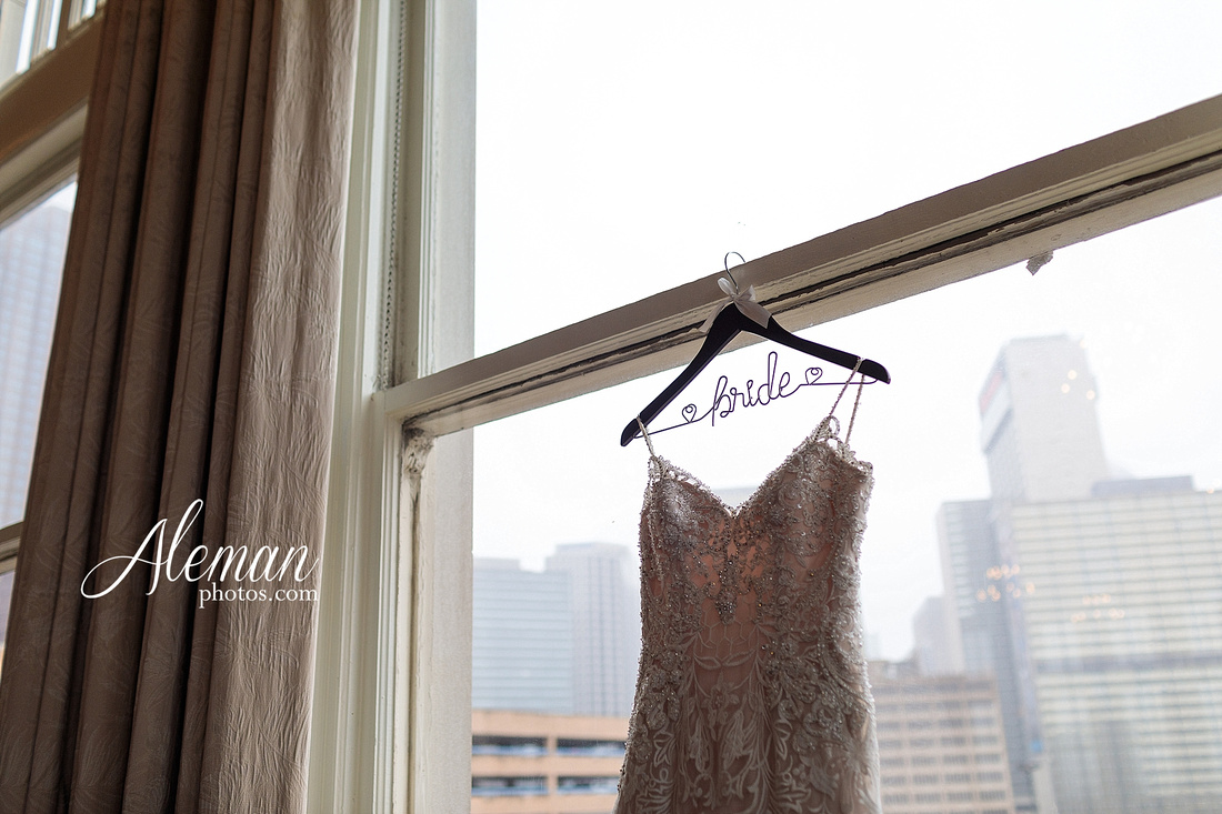 downtown-dallas-wedding-room-on-main-city-urban-skyscraper-formal-black-bridesmaids-dresses-005