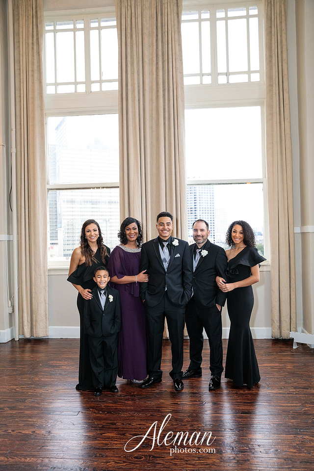 downtown-dallas-wedding-room-on-main-city-urban-skyscraper-formal-black-bridesmaids-dresses-026