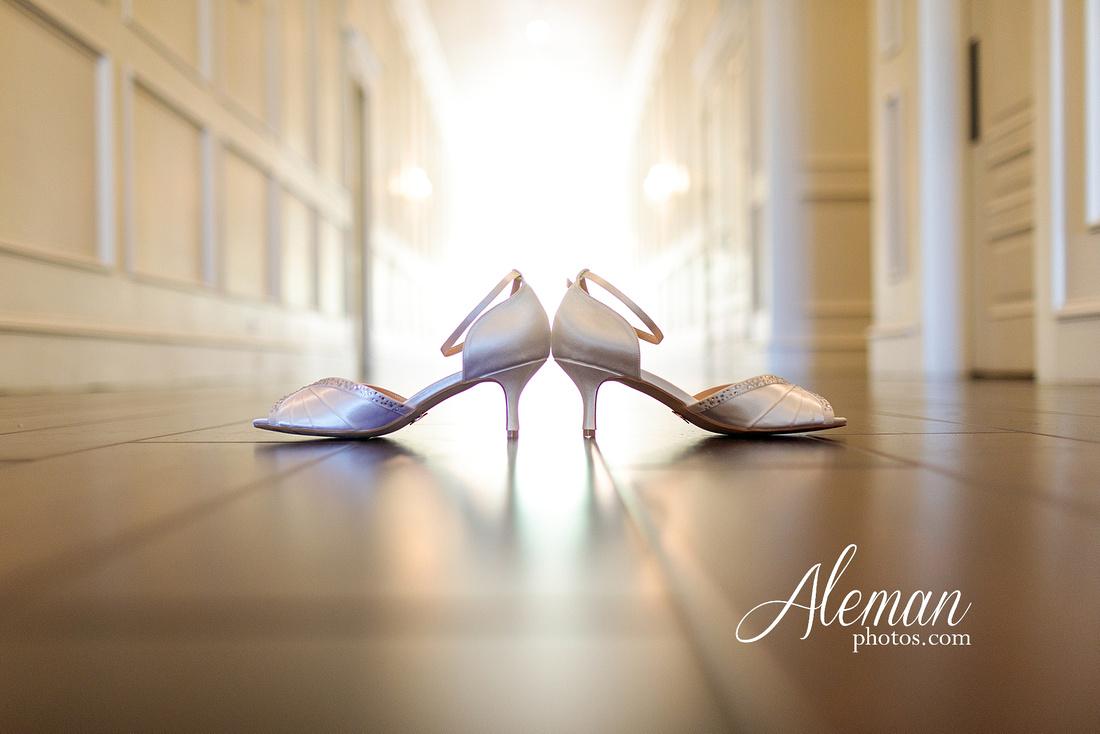 milestone-mansion-weddding-black-tie-tux-pink-bridesmaids-dresses-plantation-southern-aleman-photos-lindsey-004