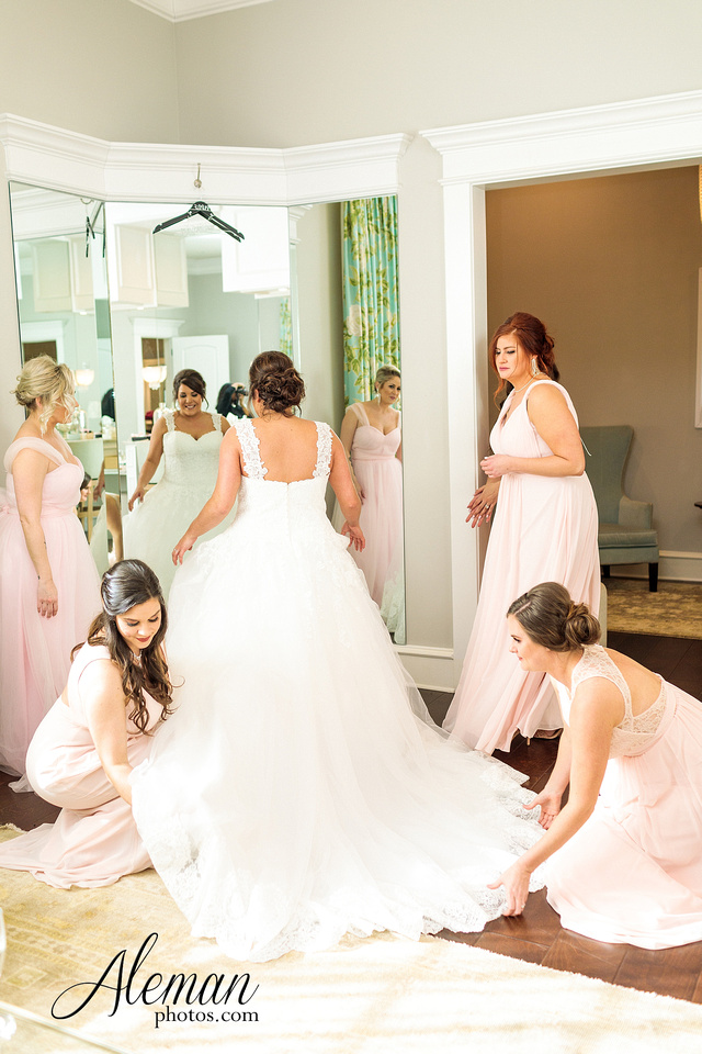 milestone-mansion-weddding-black-tie-tux-pink-bridesmaids-dresses-plantation-southern-aleman-photos-lindsey-014