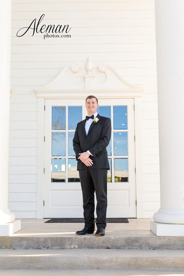 milestone-mansion-weddding-black-tie-tux-pink-bridesmaids-dresses-plantation-southern-aleman-photos-lindsey-034