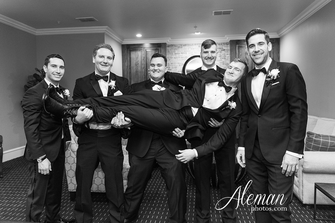 milestone-mansion-weddding-black-tie-tux-pink-bridesmaids-dresses-plantation-southern-aleman-photos-lindsey-036