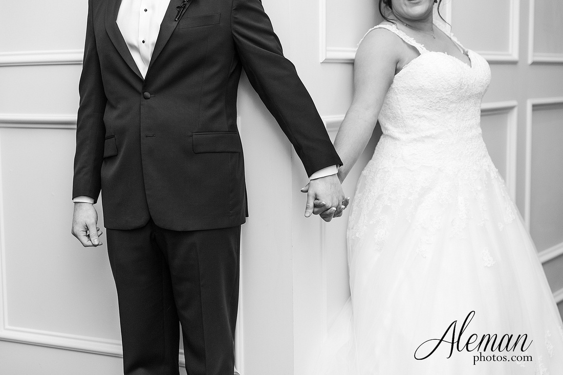 milestone-mansion-weddding-black-tie-tux-pink-bridesmaids-dresses-plantation-southern-aleman-photos-lindsey-046
