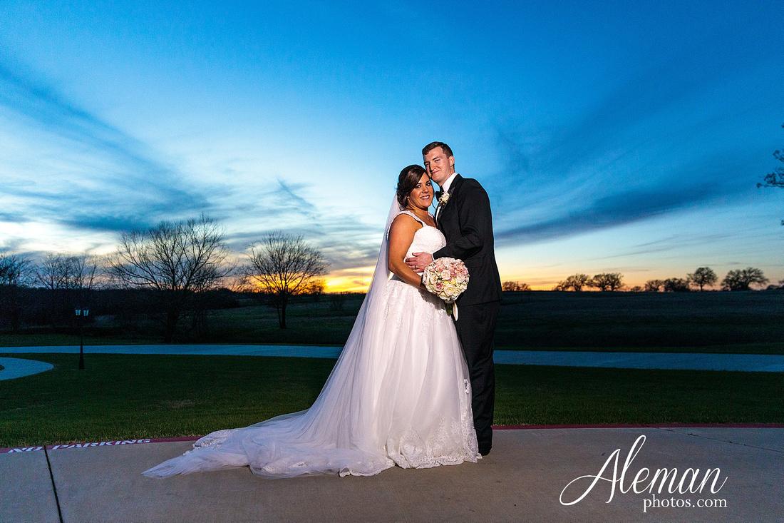 milestone-mansion-weddding-black-tie-tux-pink-bridesmaids-dresses-plantation-southern-aleman-photos-lindsey-059