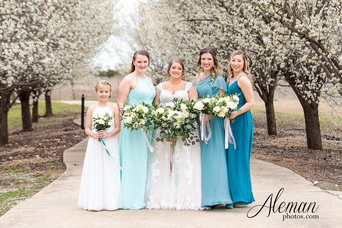 bear-creek-ranch-wedding-nevada-texas-teal-bridesmaid-dresses-red-vintage-truck-aleman-photos-taylor-018