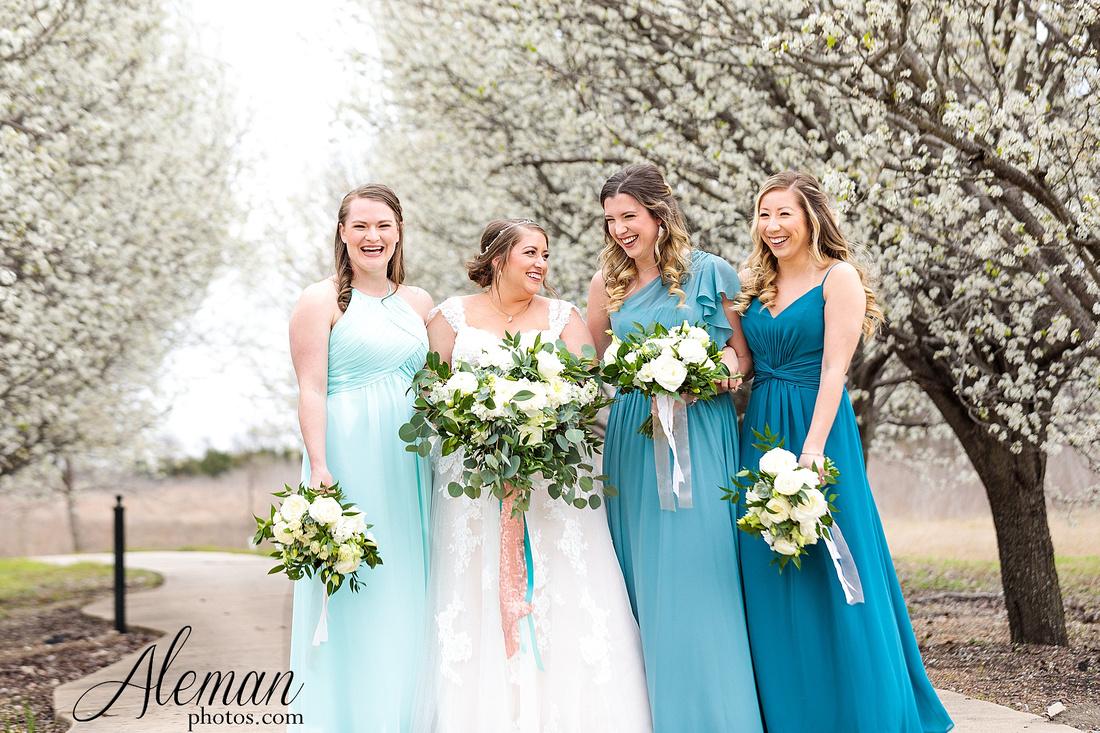 bear-creek-ranch-wedding-nevada-texas-teal-bridesmaid-dresses-red-vintage-truck-aleman-photos-taylor-021