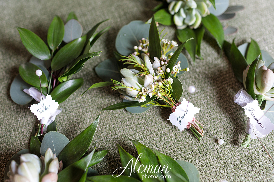 bear-creek-ranch-wedding-nevada-texas-teal-bridesmaid-dresses-red-vintage-truck-aleman-photos-taylor-028
