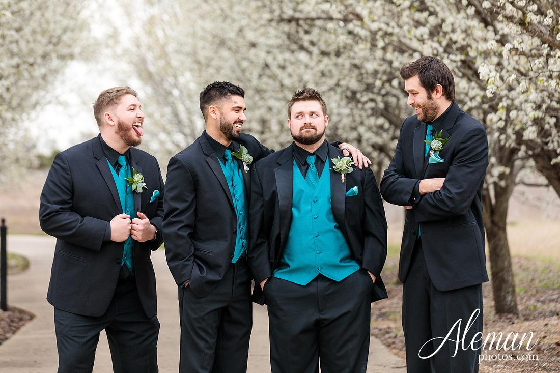 bear-creek-ranch-wedding-nevada-texas-teal-bridesmaid-dresses-red-vintage-truck-aleman-photos-taylor-033