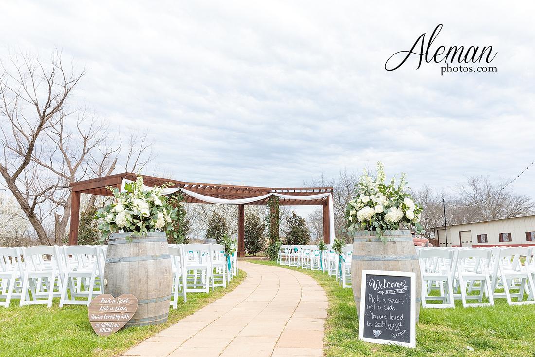 bear-creek-ranch-wedding-nevada-texas-teal-bridesmaid-dresses-red-vintage-truck-aleman-photos-taylor-035