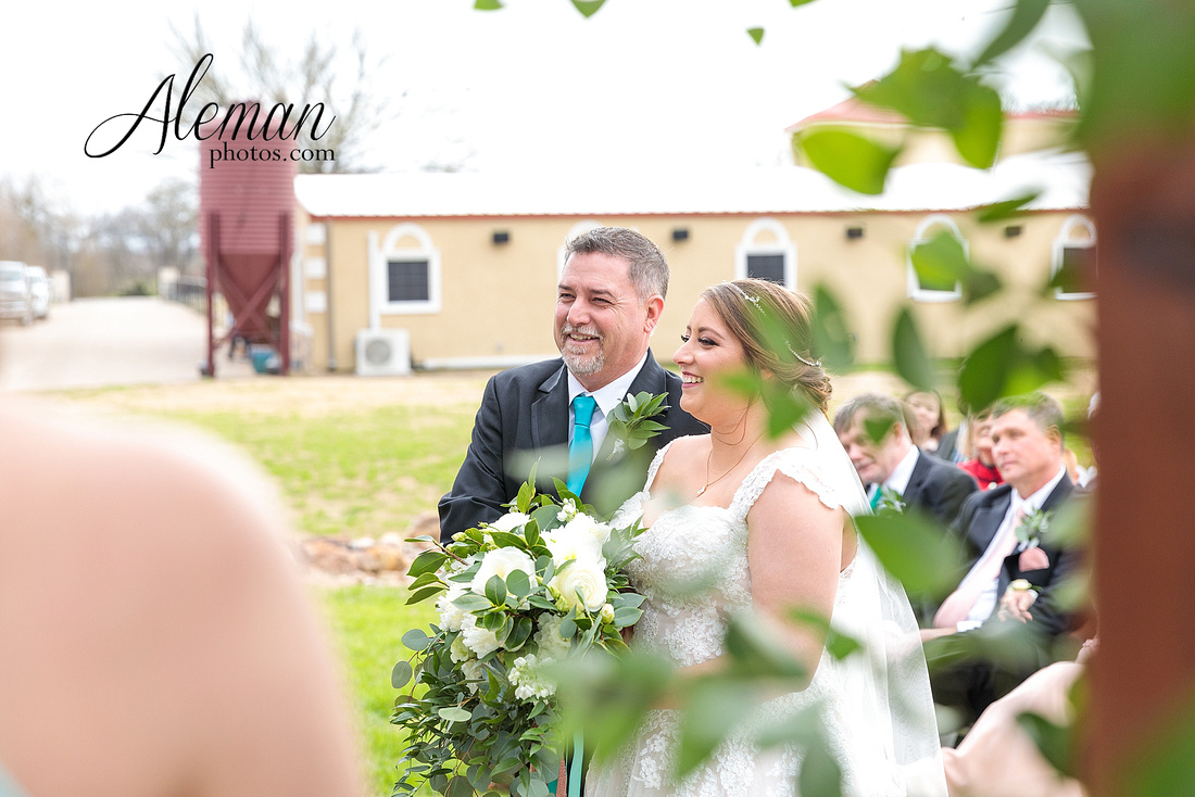 bear-creek-ranch-wedding-nevada-texas-teal-bridesmaid-dresses-red-vintage-truck-aleman-photos-taylor-038