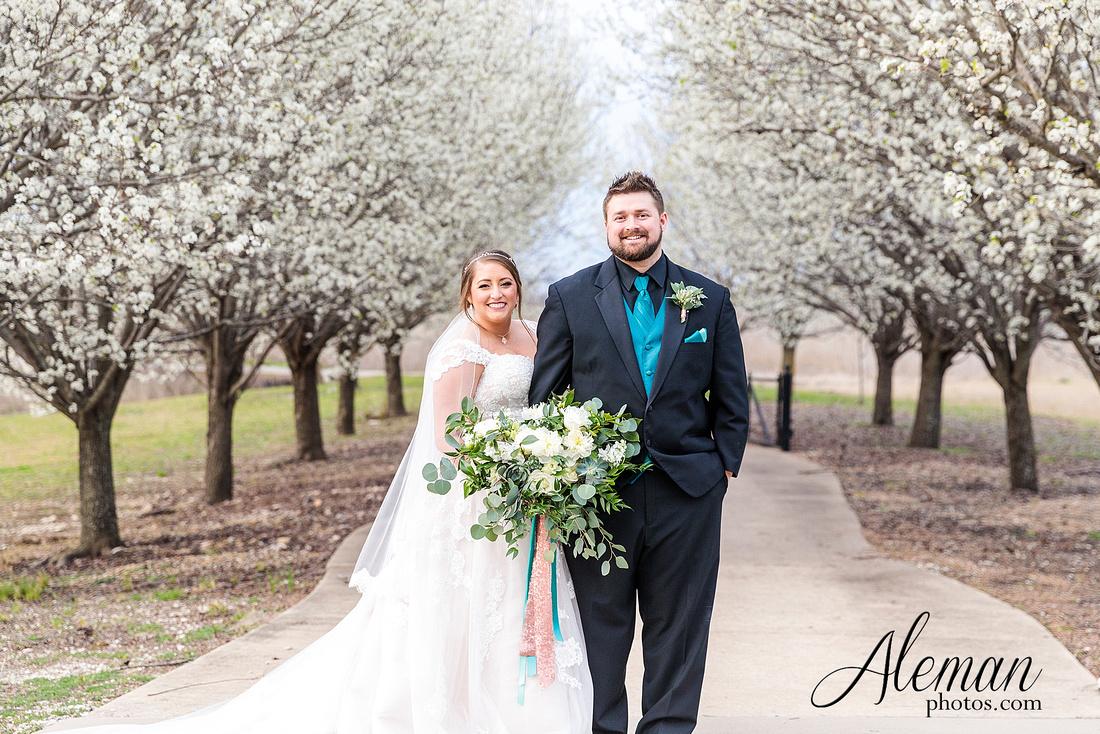 bear-creek-ranch-wedding-nevada-texas-teal-bridesmaid-dresses-red-vintage-truck-aleman-photos-taylor-055