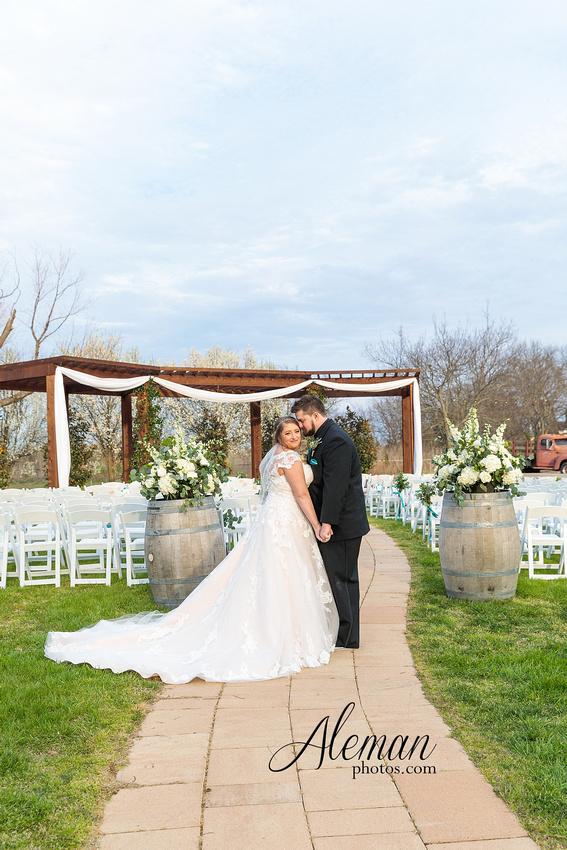 bear-creek-ranch-wedding-nevada-texas-teal-bridesmaid-dresses-red-vintage-truck-aleman-photos-taylor-054