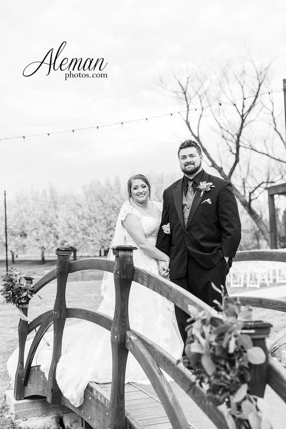 bear-creek-ranch-wedding-nevada-texas-teal-bridesmaid-dresses-red-vintage-truck-aleman-photos-taylor-060