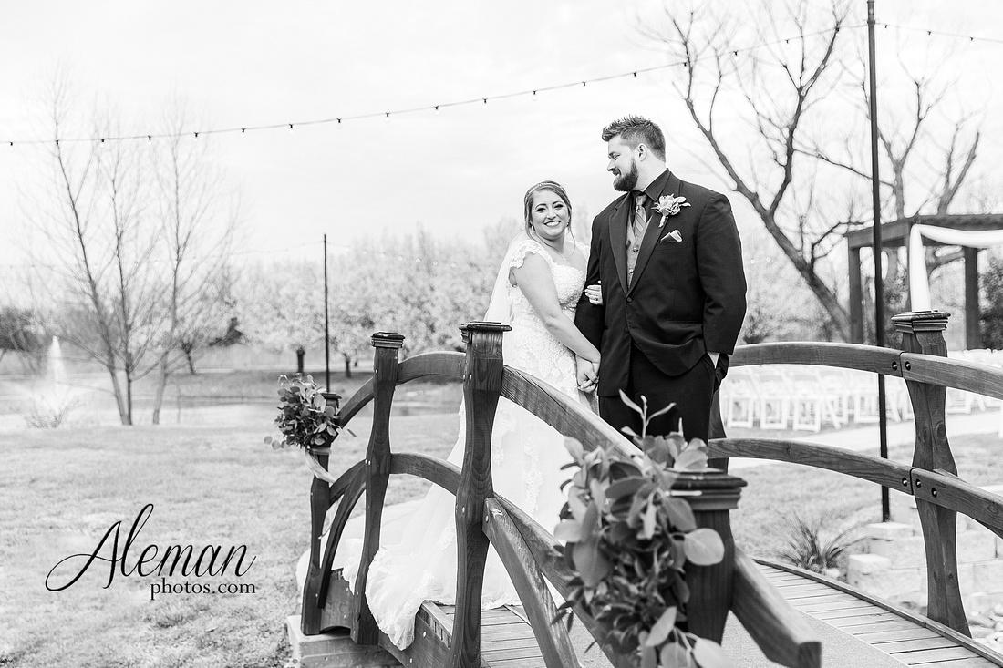 bear-creek-ranch-wedding-nevada-texas-teal-bridesmaid-dresses-red-vintage-truck-aleman-photos-taylor-061