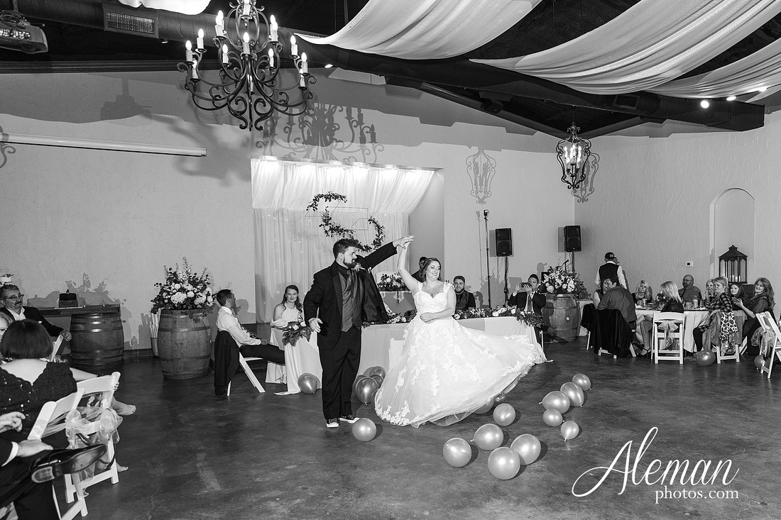 bear-creek-ranch-wedding-nevada-texas-teal-bridesmaid-dresses-red-vintage-truck-aleman-photos-taylor-076