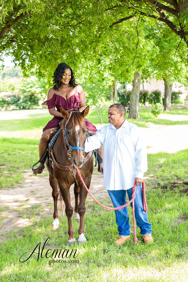 benbrook-horse-stable-engagement-black-love-wedding-aristide-summer-bright-colorful-sunny-aleman-photos-004