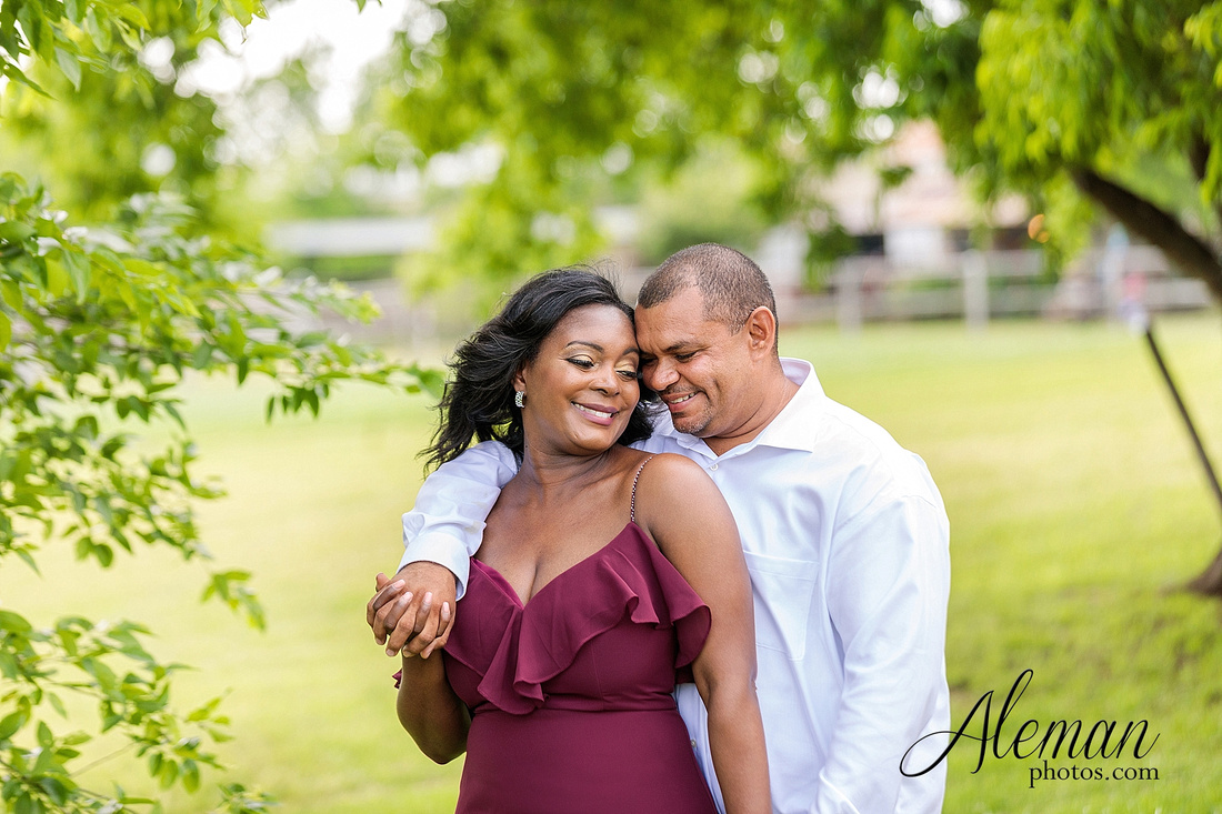 benbrook-horse-stable-engagement-black-love-wedding-aristide-summer-bright-colorful-sunny-aleman-photos-016