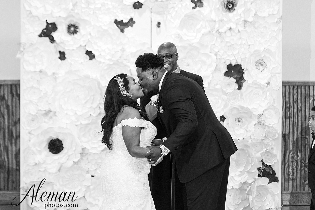 the-springs-anna-wedding-tuscany-hill-stone-hall-purple-family-omega-psi-phi-aleman-photos-047