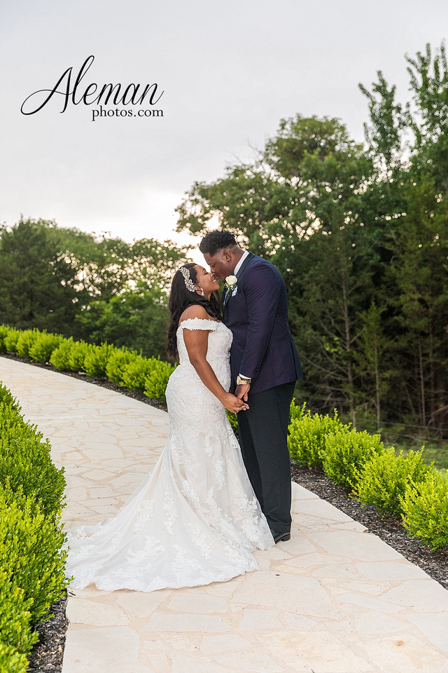 the-springs-anna-wedding-tuscany-hill-stone-hall-purple-family-omega-psi-phi-aleman-photos-053
