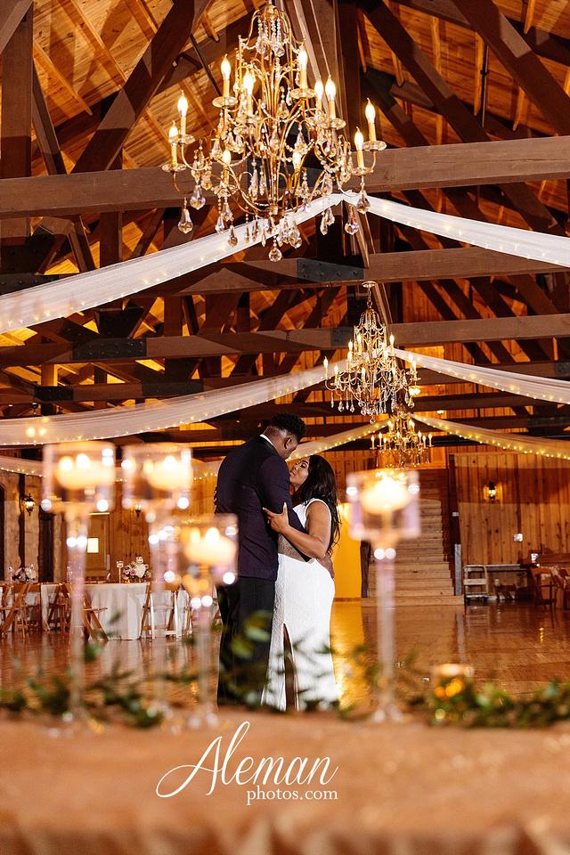 the-springs-anna-wedding-tuscany-hill-stone-hall-purple-family-omega-psi-phi-aleman-photos-090