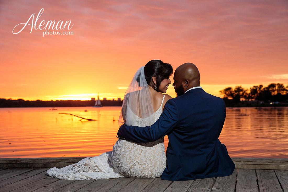 wedding-dallas-white-rock-lake-sunset-lace-hat-blue-suit-wildflowers-field-sunrise-aleman-photos-022