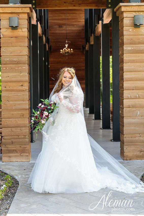 morgan-creek-barn-bridal-session-wedding-aubrey-denton-dallas-fort-worth-aleman-photos-outdoor-ceremony-blue-suits-texas-tech-maroon-converse-white-barn-brooke-michael-003