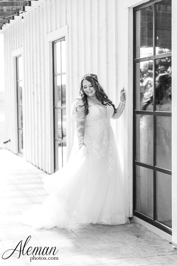 morgan-creek-barn-bridal-session-wedding-aubrey-denton-dallas-fort-worth-aleman-photos-outdoor-ceremony-blue-suits-texas-tech-maroon-converse-white-barn-brooke-michael-013