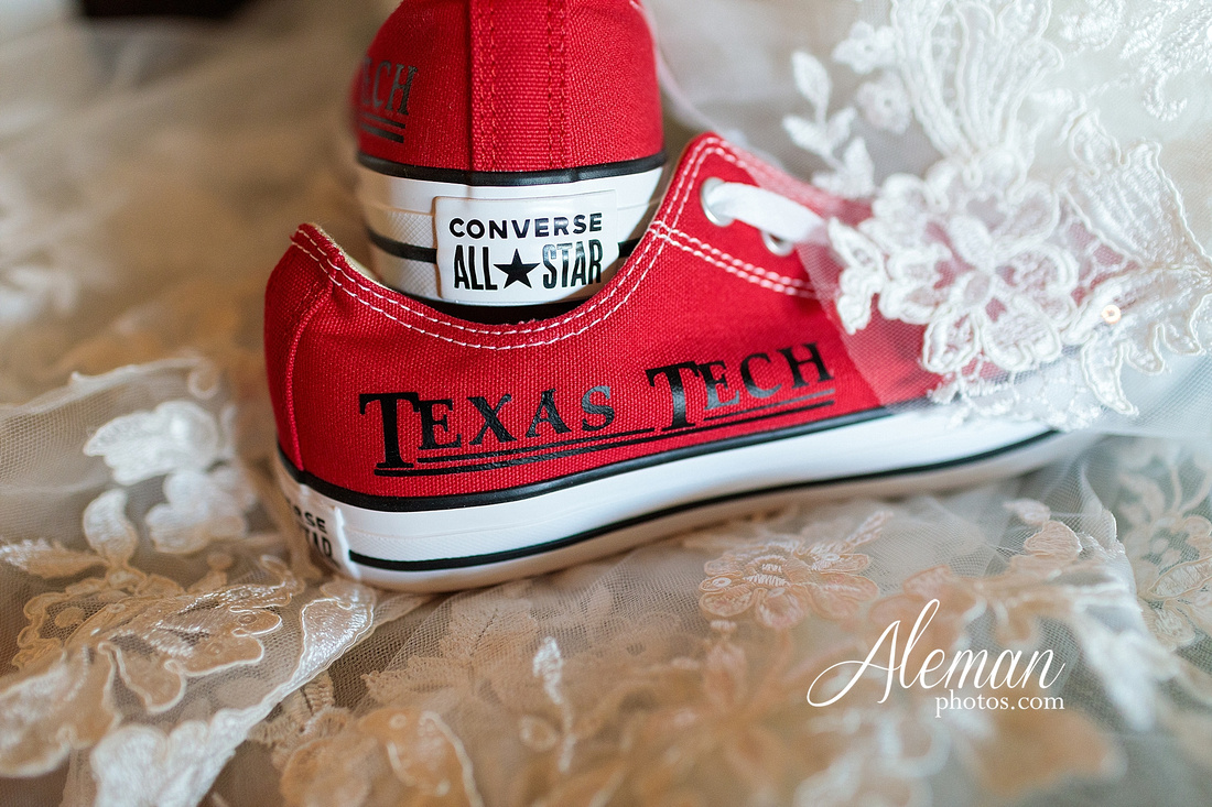 morgan-creek-barn-wedding-aubrey-denton-dallas-fort-worth-aleman-photos-outdoor-ceremony-blue-suits-texas-tech-maroon-converse-white-barn-brooke-michael-017