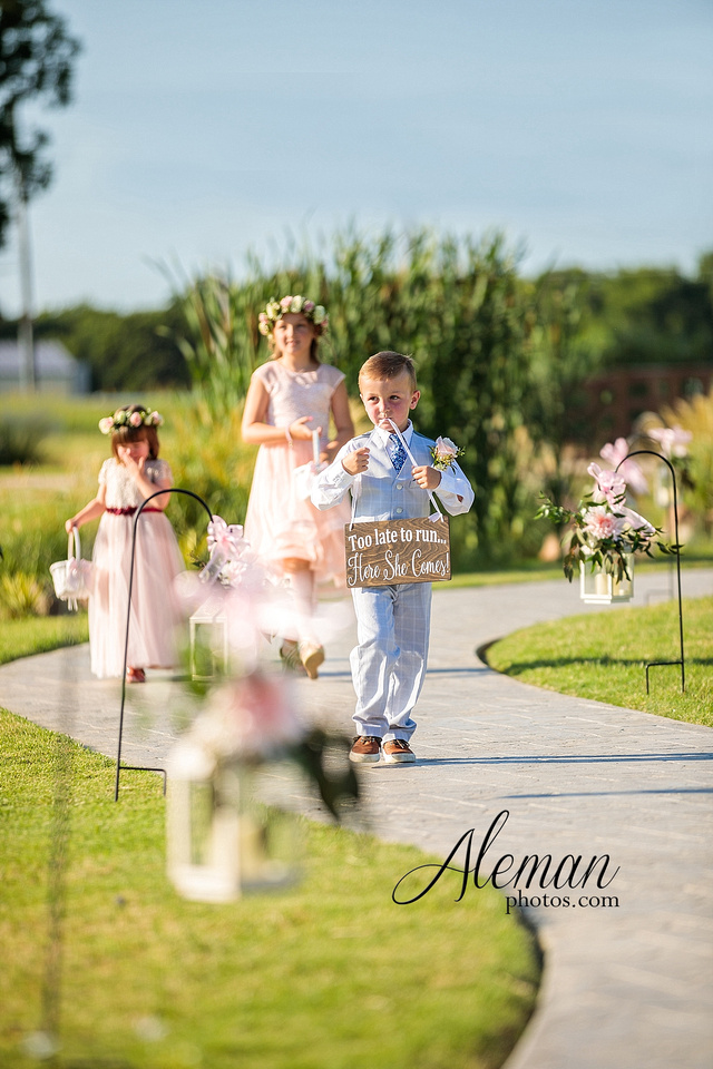 morgan-creek-barn-wedding-aubrey-denton-dallas-fort-worth-aleman-photos-outdoor-ceremony-blue-suits-texas-tech-maroon-converse-white-barn-brooke-michael-043