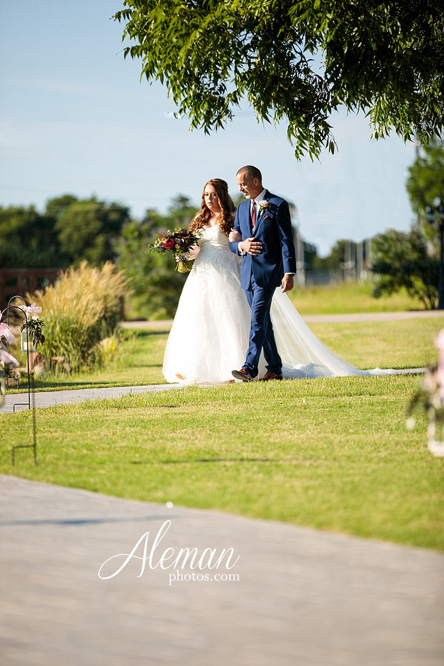 morgan-creek-barn-wedding-aubrey-denton-dallas-fort-worth-aleman-photos-outdoor-ceremony-blue-suits-texas-tech-maroon-converse-white-barn-brooke-michael-046