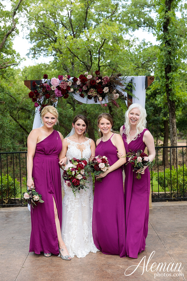 the-lodge-springs-aubrey-denton-north-texas-hill-country-fuschia-sangria-gold-bridesmaid-dresses-navy-groomsmen-suits-wedding-design-guest-list-events-aleman-photos-amanda-barry-033