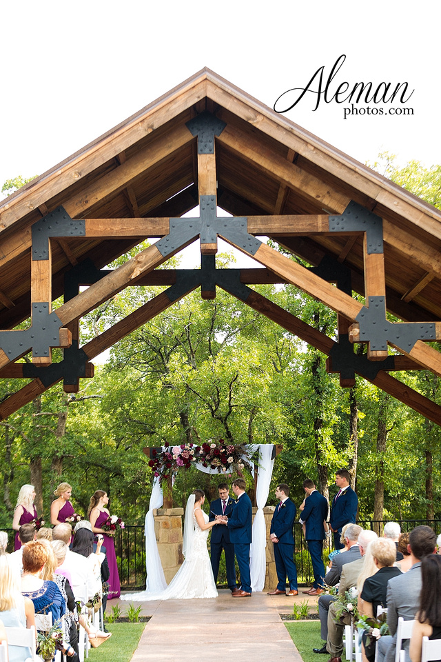 the-lodge-springs-aubrey-denton-north-texas-hill-country-fuschia-sangria-gold-bridesmaid-dresses-navy-groomsmen-suits-wedding-design-guest-list-events-aleman-photos-amanda-barry-049