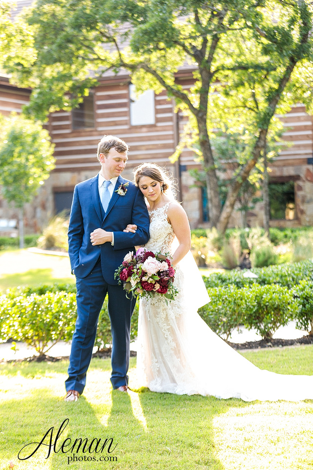 the-lodge-springs-aubrey-denton-north-texas-hill-country-fuschia-sangria-gold-bridesmaid-dresses-navy-groomsmen-suits-wedding-design-guest-list-events-aleman-photos-amanda-barry-057