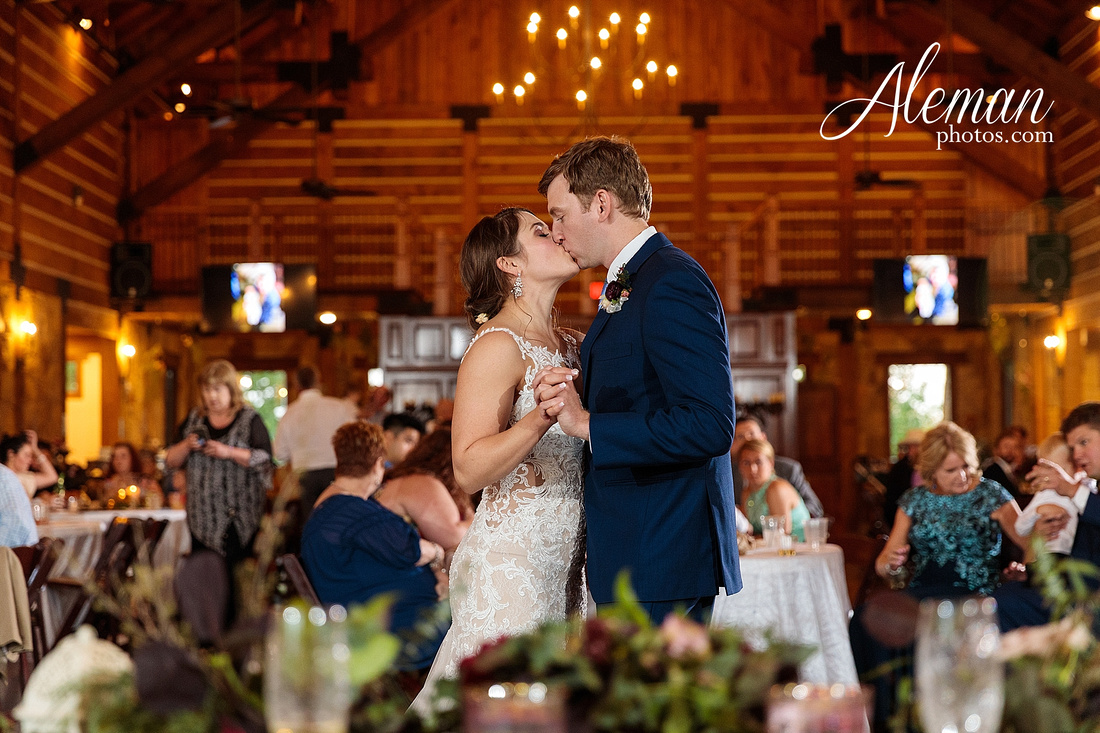 the-lodge-springs-aubrey-denton-north-texas-hill-country-fuschia-sangria-gold-bridesmaid-dresses-navy-groomsmen-suits-wedding-design-guest-list-events-aleman-photos-amanda-barry-078