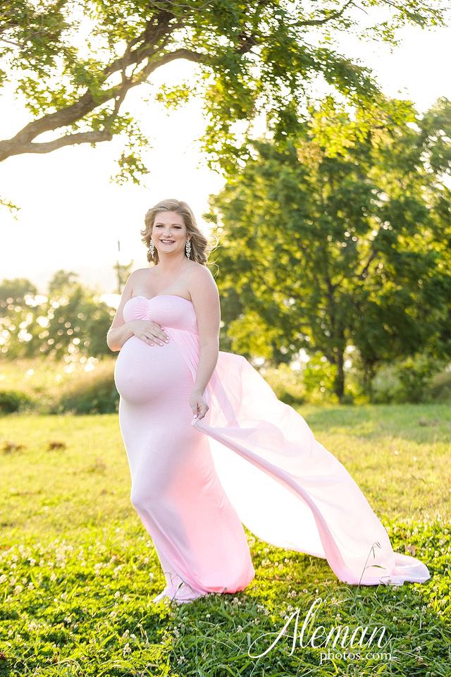 white-rock-lake-dallas-maternity-sunset-pink-flowy-dress-kelsey-lucas-aleman-photos-005