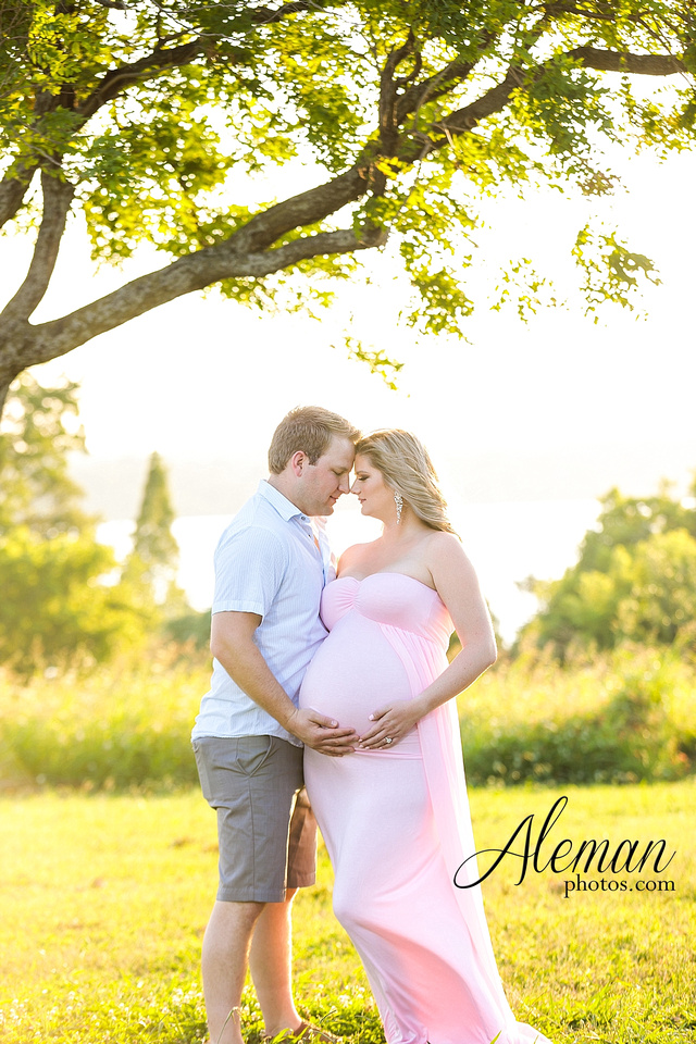 white-rock-lake-dallas-maternity-sunset-pink-flowy-dress-kelsey-lucas-aleman-photos-006