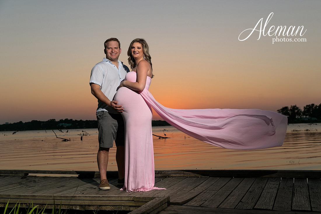 white-rock-lake-dallas-maternity-sunset-pink-flowy-dress-kelsey-lucas-aleman-photos-014