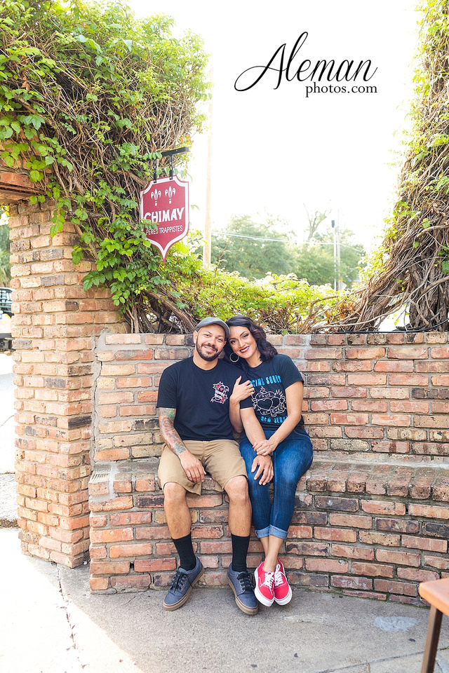 deep-ellum-engagement-dallas-dfw-urban-city-dogs-pets-old-monk-first-date-colorful-young-vibrant-cool-aleman-photos-mayra-justin-pitbulls-006