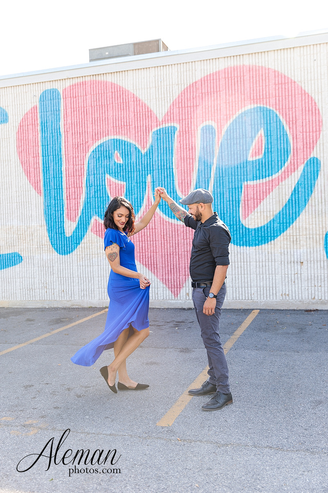 deep-ellum-engagement-dallas-dfw-urban-city-dogs-pets-old-monk-first-date-colorful-young-vibrant-cool-aleman-photos-mayra-justin-pitbulls-015