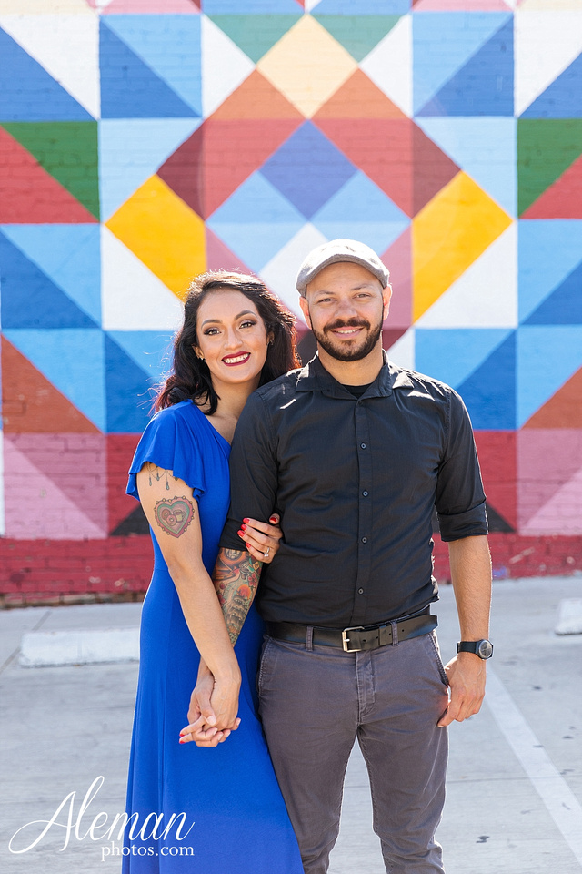 deep-ellum-engagement-dallas-dfw-urban-city-dogs-pets-old-monk-first-date-colorful-young-vibrant-cool-aleman-photos-mayra-justin-pitbulls-018