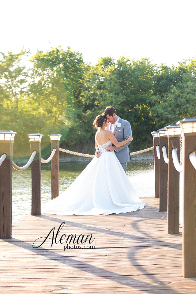 milestone-mansion-krum-denton-aubrey-wedding-aleman-photos-formal-black-tie-gray-suit-orchid-bridal-floral-chelsea-tyler-pink-champagne-colors-007