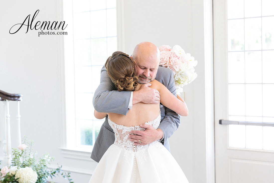 milestone-mansion-krum-denton-aubrey-wedding-aleman-photos-formal-black-tie-gray-suit-orchid-bridal-floral-chelsea-tyler-pink-champagne-colors-040