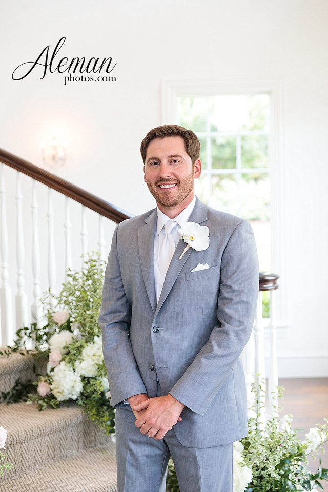 milestone-mansion-krum-denton-aubrey-wedding-aleman-photos-formal-black-tie-gray-suit-orchid-bridal-floral-chelsea-tyler-pink-champagne-colors-048