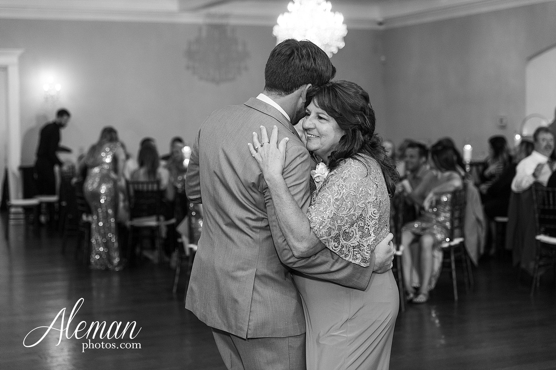 milestone-mansion-krum-denton-aubrey-wedding-aleman-photos-formal-black-tie-gray-suit-orchid-bridal-floral-chelsea-tyler-pink-champagne-colors-086