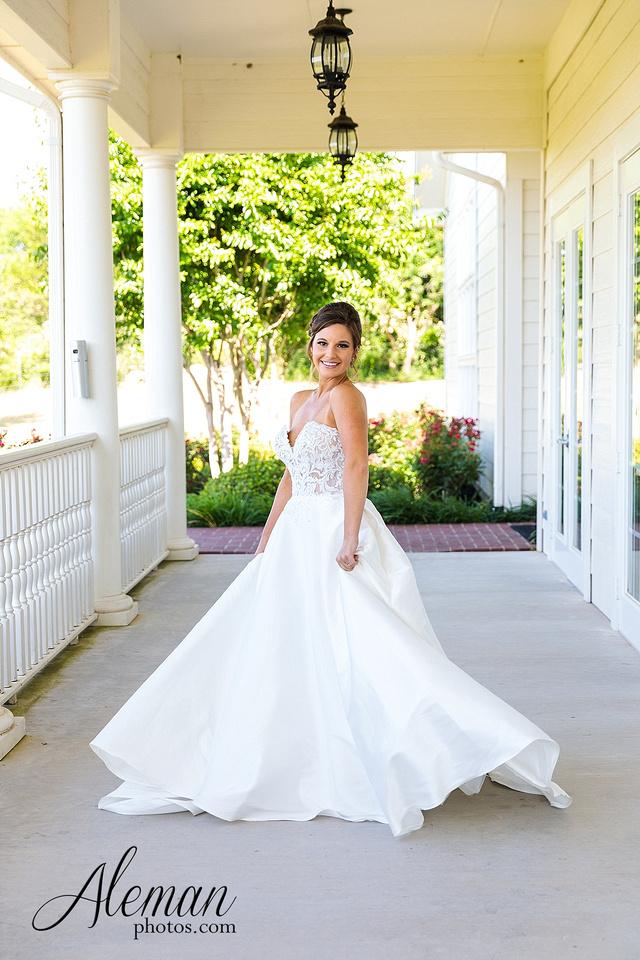 milestone-mansion-krum-denton-aubrey-bridal-session-wedding-aleman-photos-formal-black-tie-gray-suit-orchid-bridal-floral-chelsea-tyler-pink-champagne-colors-008