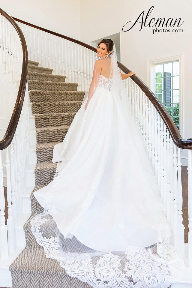 milestone-mansion-krum-denton-aubrey-bridal-session-wedding-aleman-photos-formal-black-tie-gray-suit-orchid-bridal-floral-chelsea-tyler-pink-champagne-colors-011