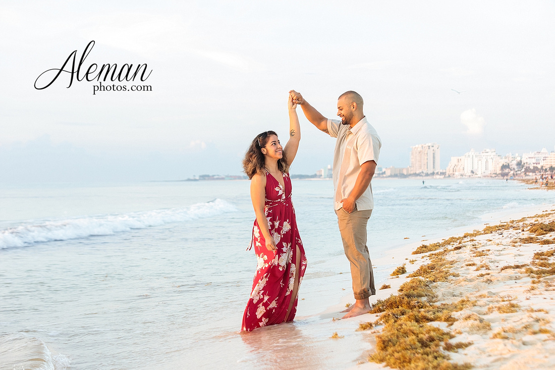 cancun-beach-engagement-family-session-photographer-destination-wedding-summer-sunrise-sunset-ocean-aleman-photos-dallas-005
