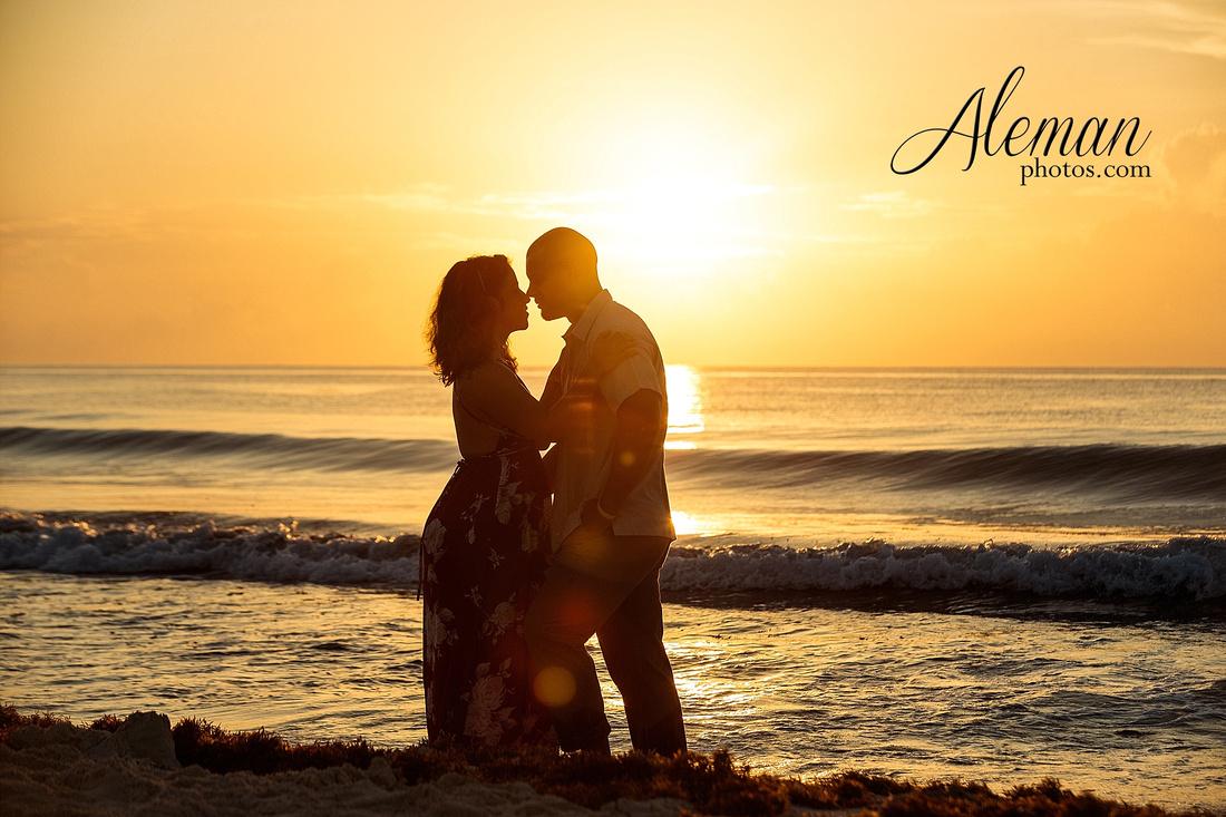 cancun-beach-engagement-family-session-photographer-destination-wedding-summer-sunrise-sunset-ocean-aleman-photos-dallas-003