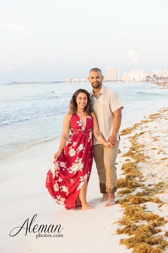 cancun-beach-engagement-family-session-photographer-destination-wedding-summer-sunrise-sunset-ocean-aleman-photos-dallas-013
