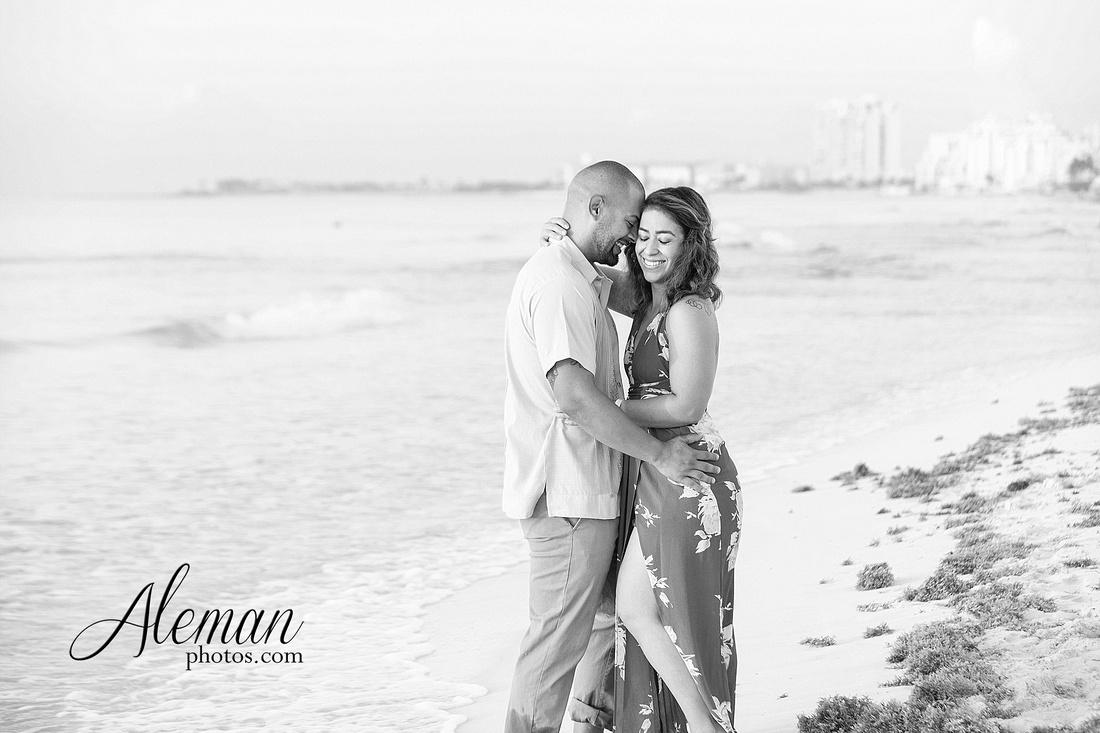 cancun-beach-engagement-family-session-photographer-destination-wedding-summer-sunrise-sunset-ocean-aleman-photos-dallas-014